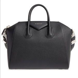 Medium Antigona' Sugar Leather Satchel GIVENCHY